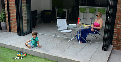 Nuvola inside outside Vitripiazza porcelain paving
